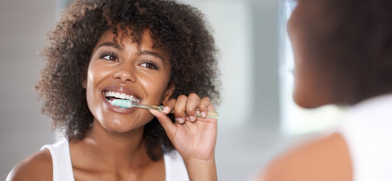 کلینیک دندانپزشکی آرکا - دندانپزشکی کودکان - تمیز کردن دندانهای شیری