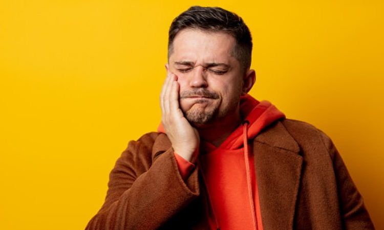 آبسه دندان چیست؛ علل، علائم، پیشگیری و درمان آن