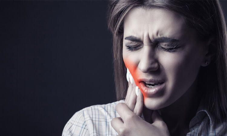 درمان خانگی دندان درد با ۱۸ راهکار موثر