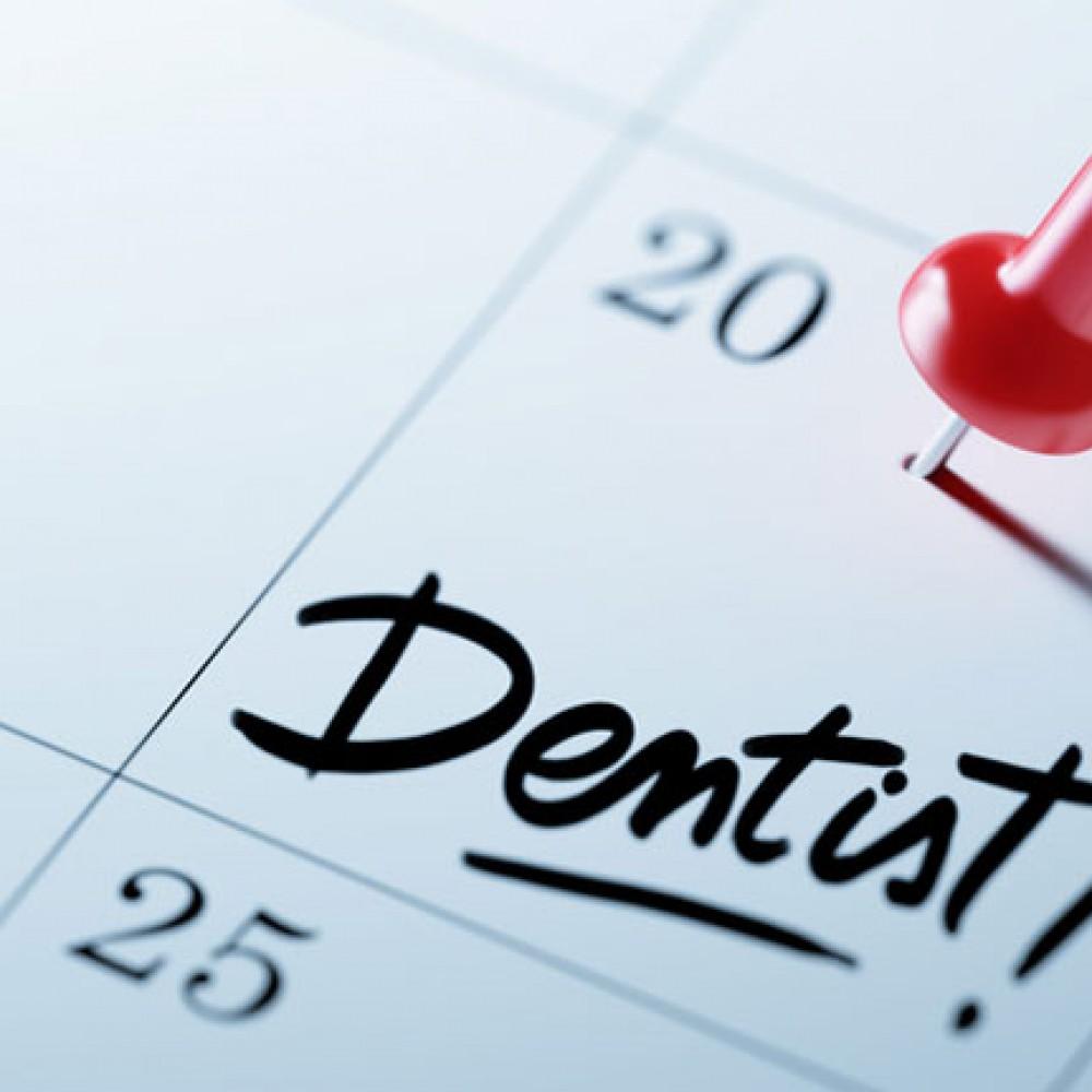 ویزیتهای منظمی را با دندانپزشک زمانبندی کنید